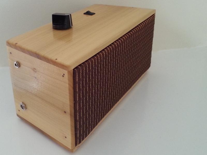 DIY Powered Speaker | Portable Power Speaker | iPhone Speaker Dock